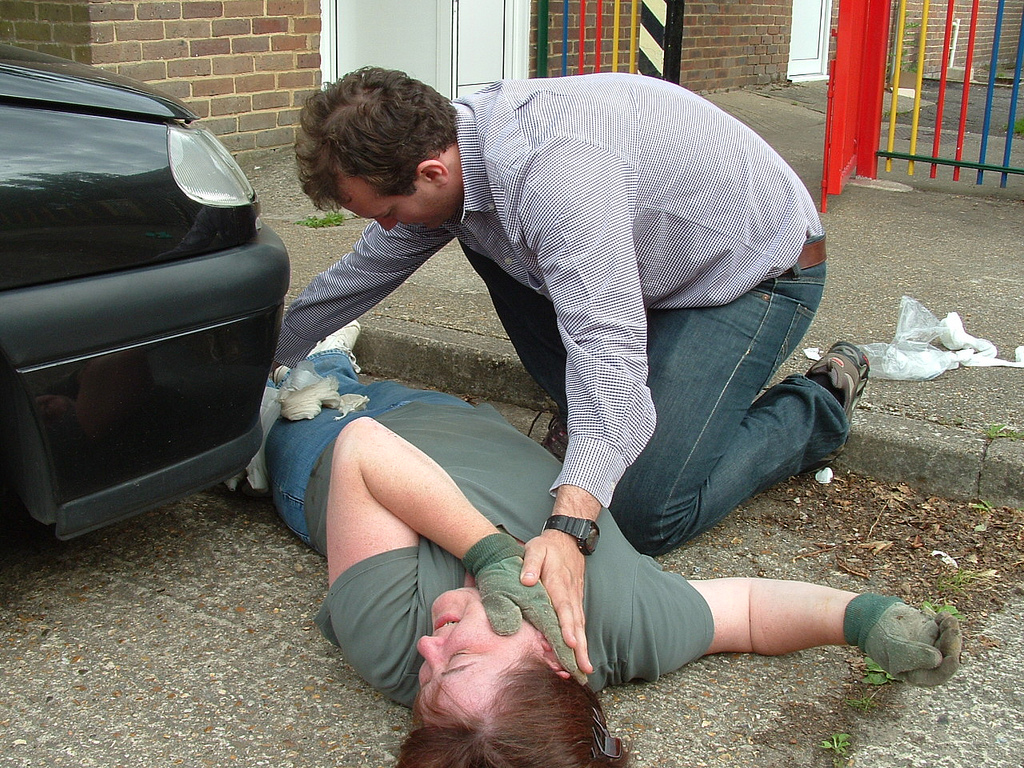 first aid training courses, first aid course, first aid training, cpr training, first aid certificate, first aid bournemouth, first aid poole, first aid dorset, first aid south east